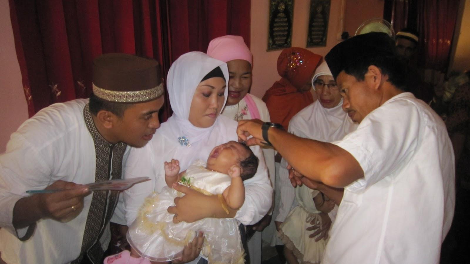 prosesi acara aqiqah untuk anak laki-laki tentu berbeda dengan perempuan